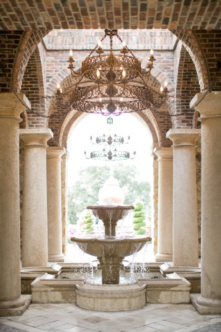 Outdoor fountain and chandelier at Bella Collina