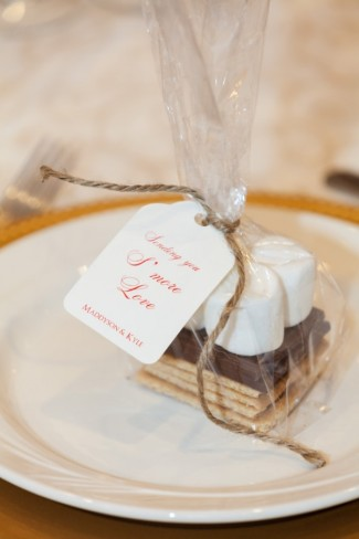 S'more wedding favors for Christmas wedding