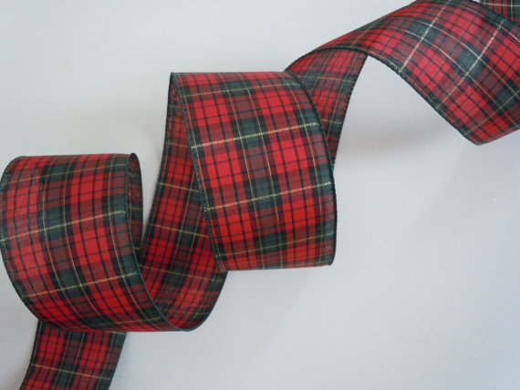 Plaid wire ribbon for Christmas wedding reception