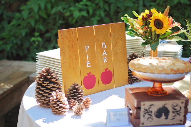 Outdoor fall wedding pie bar for wedding reception