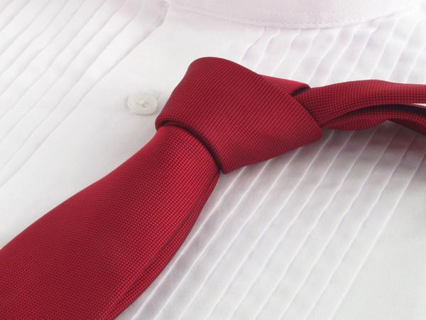 Pompeian_Red_Necktie_with_Tuxedo_Shirt_grande
