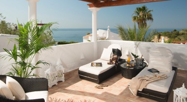 Vila Vita Parc private lounge chairs