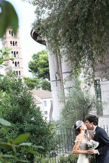 Bride and groom captured by Avorio photo destination wedding in Italy