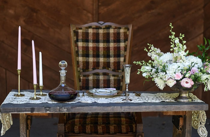 Downtown Abby themed wedding reception table scape