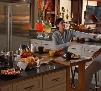 Hart of dixie Levon Hayes kitchen with drink dispensers