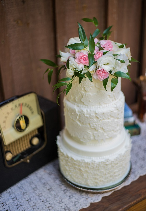 Wedding cake with lace detailing