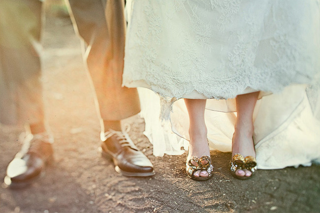 kate spade shoes on bride
