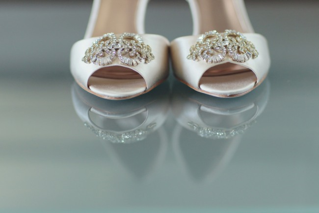 Badgley Mischka peep toe shoes