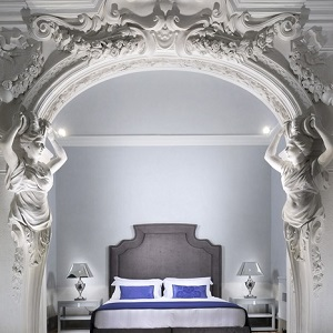 luxury ornate room at Villa le Maschere