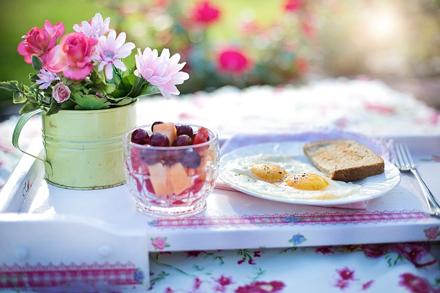breakfast plate outdoors for bride