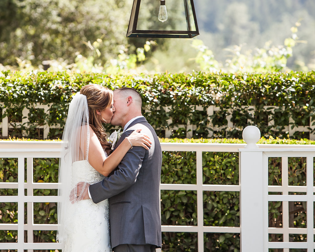 bride-and-groom-kiss