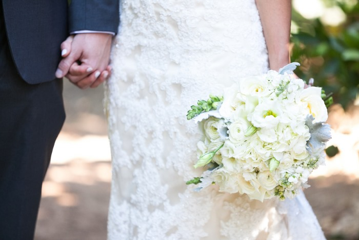 gorgeous-all-white-bridal-bouquet