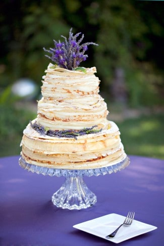 naked-cake-with-fresh-lavender