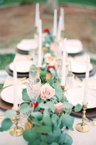 tablescape with gold accents