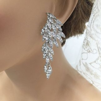 Vintage inspired chandalier bridal earrings jewelry