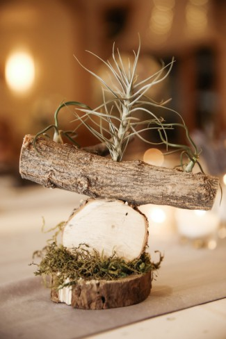 unique wood log centerpiece