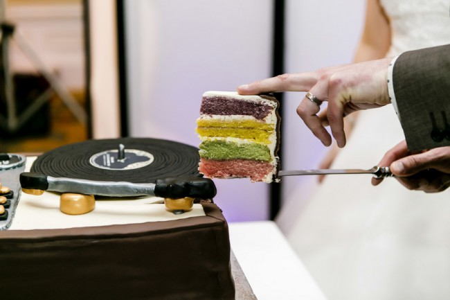 record player wedding cake