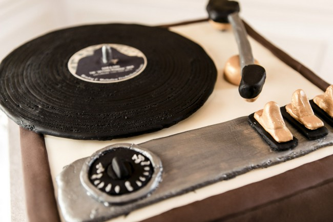 wedding cake in shape of record player