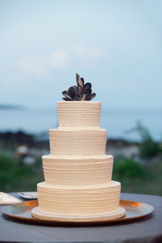 wedding cake with muscles cake topper