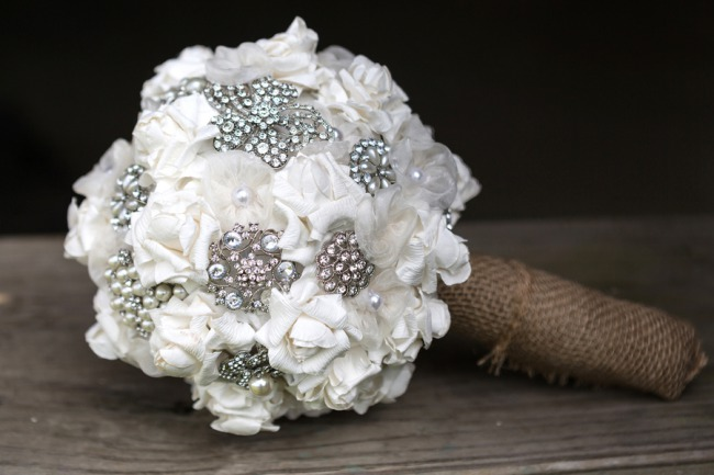 DIY brooch and white flower bouquet