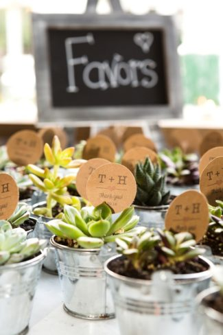 chalkboard favor sign with mini planters