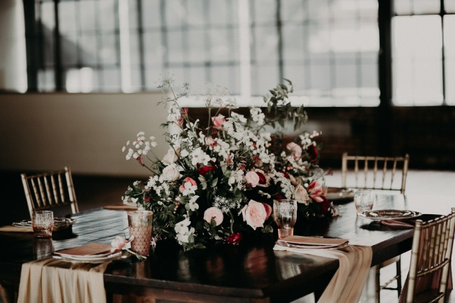 floral centerpiece on tablescape