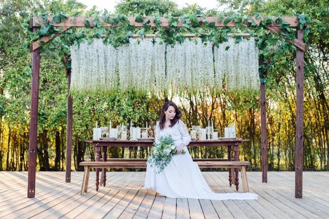 HoneyGreen Villa styled shoot bride
