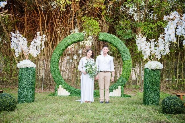 HoneyGreen Villa styled shoot greenery alter