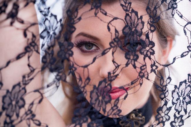 model behind black veil