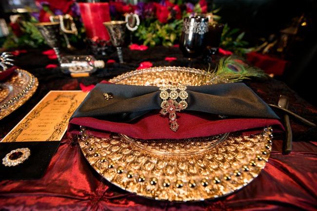 ostentatious gold plate decor