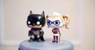 cartoon batman and wonder woman cake topper