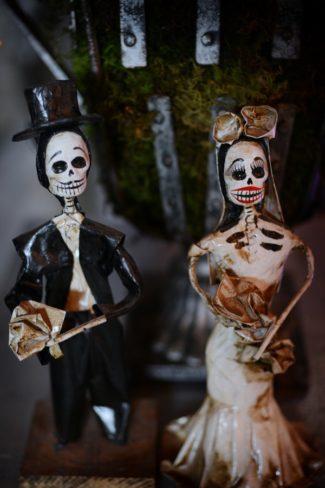 dead couple decor dolls
