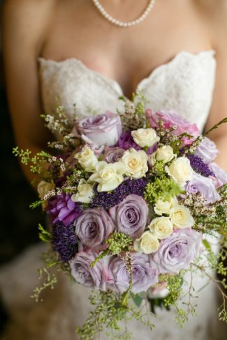 pale violet rose bouquet