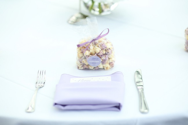 popcorn favor on napkin