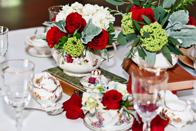 red roses and tea cups