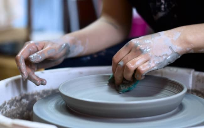 Give a pottery wheel class gift on anniversary