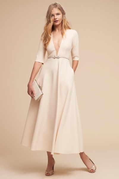 5 Wedding Dresses Under $1000 that Should Cost Way More