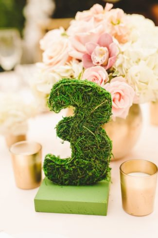 moss table number three