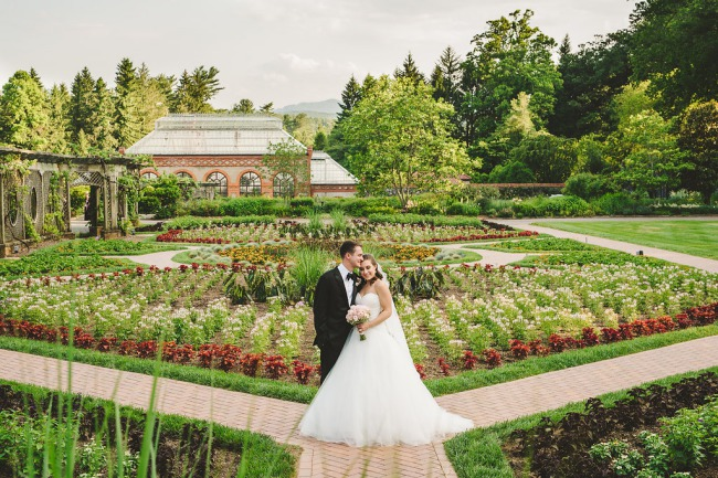 newlywed portrait at Biltmore in NC