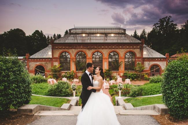 newlyweds in Biltmore garden