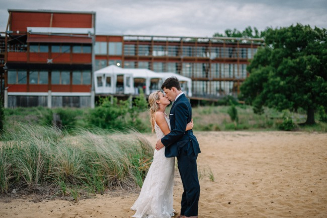 Newlyweds in front of Chesapeake Bay Foundation venue