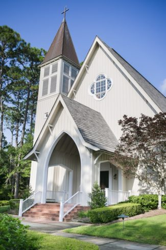 church exterior in Fairhope Alabama