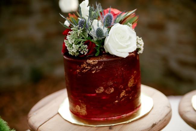 dark red cake