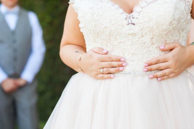 bride middle dress photo