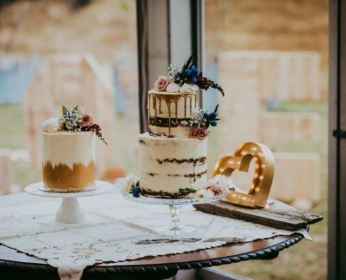 caramel drizzled naked cake