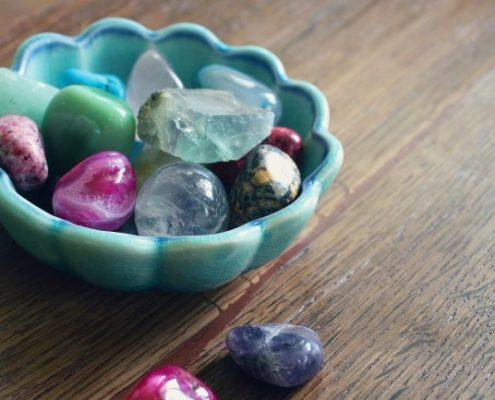 diamond alternative gemstones in bowl – featured