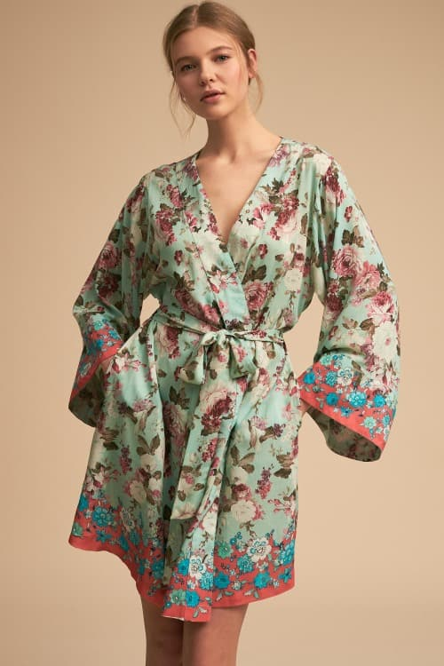 201ba72778 12 Silk Bridesmaid Robes for Stylish Wedding Prep!