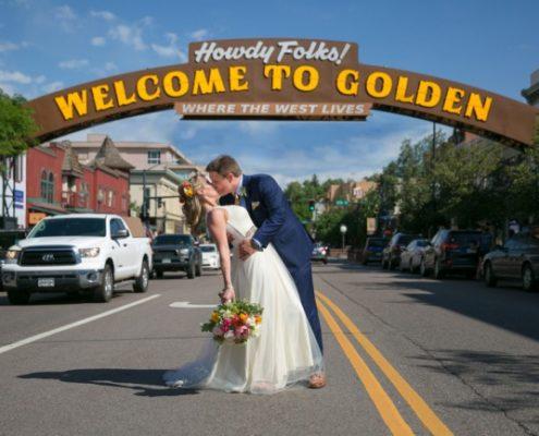 dip kiss under Welcom to Golden arch