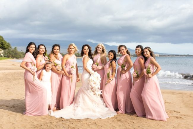 bridesmaids-and-bride-on-beach