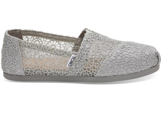 Toms Wedding Shoes – The Comfortable Flat for Every Bride d5e94082e6